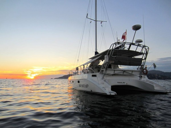 A gorgeous sunset while anchored at Isla 