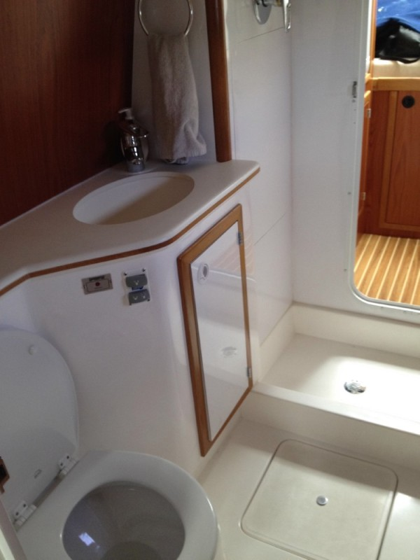 The guest head is also quite spacious and has a separate shower stall.