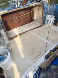 AFT DECK storage box - re-sealed: Aft deck storage box - cleaned and resealed to deck