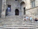 Steps where Isabel and Ferdinand received Columbus