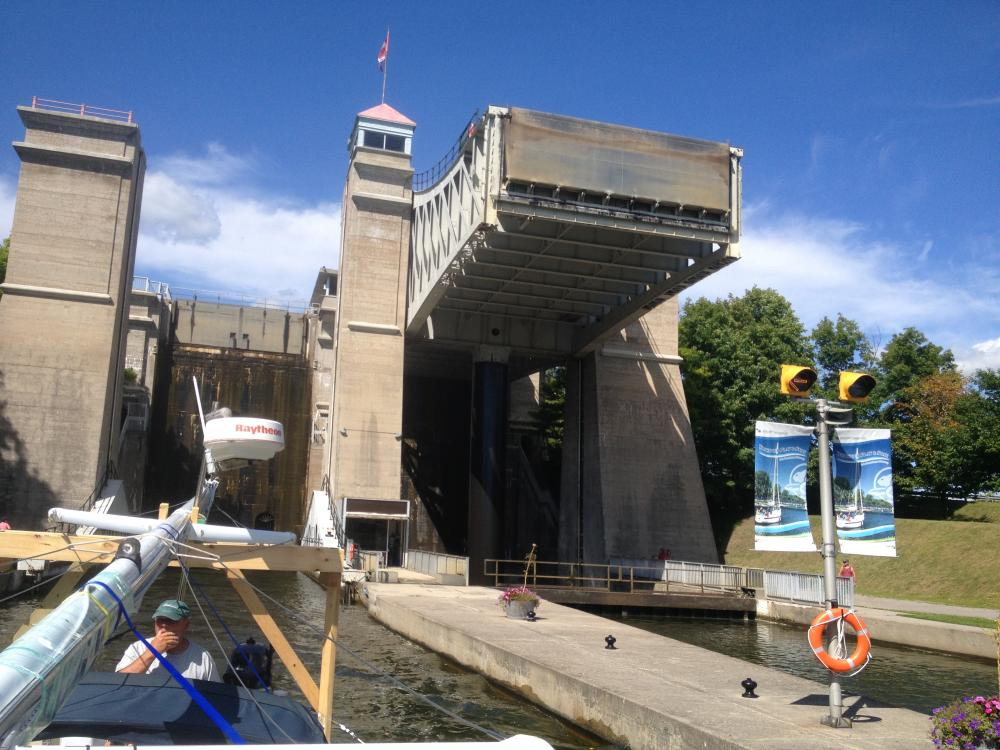 Peterborough Lift Lock: Whisper is exiting via the lower chamber