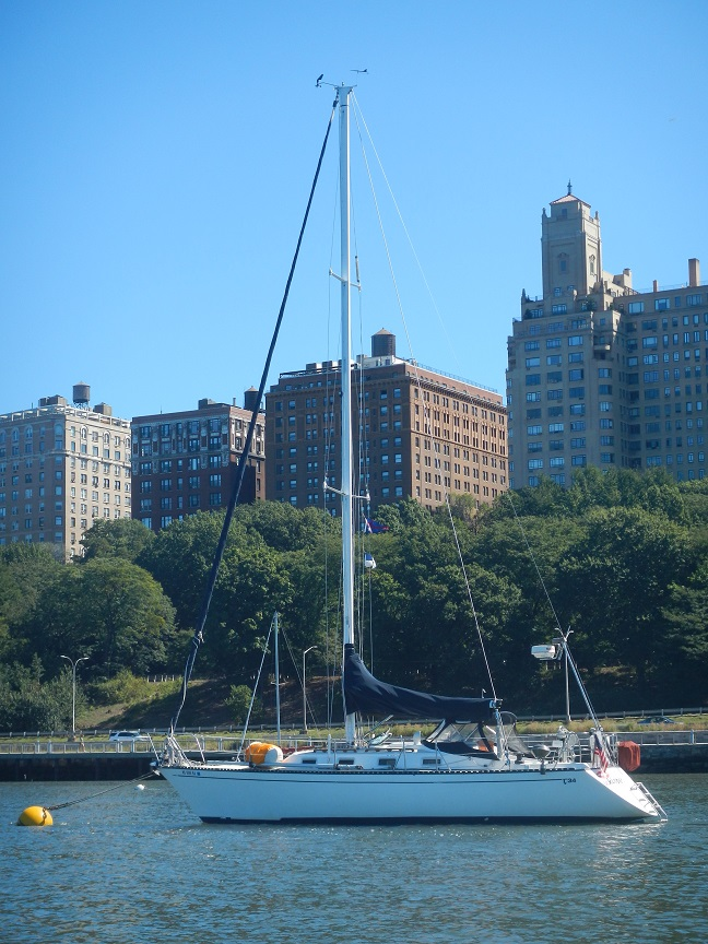 Our home for the week.: 79th Street Marina in Manhattan