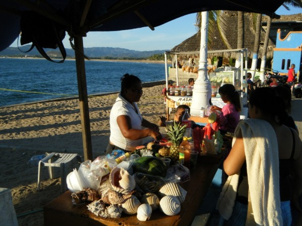 Vendor on the malecon in Barra.