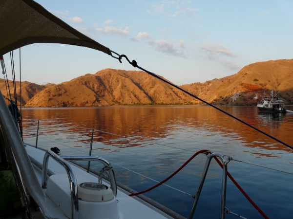 This gorgeous anchorage after leaving Komodo gave us a fantastic evening, and just a short day hop from Gili Lawa Laut. Here we enjoyed watching Mantas glide by the boat gorging themselves.