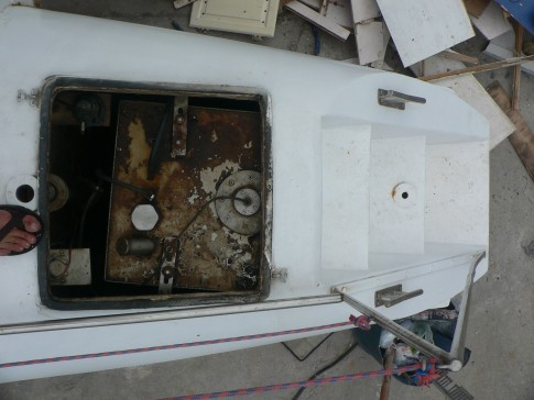The 200L fuel tanks were under the stern steps. This resulted in a lot of weight in the stern where it is least desireable. They were also unsecured!
