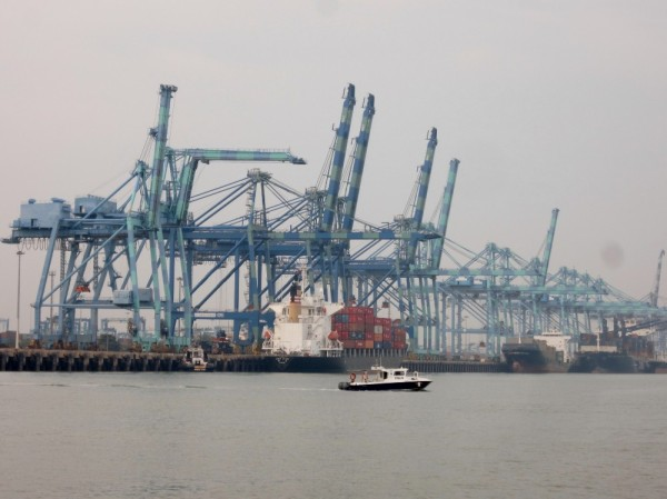 A couple days later we are passing through Port Klang, the main port in Malaysia.