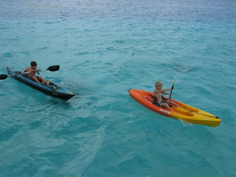 Paddling in Seven Islands, Suwarrow, Cook Islands