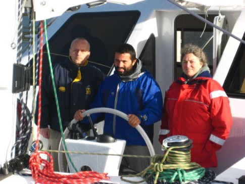 Alex, Dale and Santi, the proud owner of ES during our first of 2 sea trials.