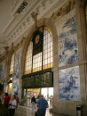 Oporto - inside the rail station