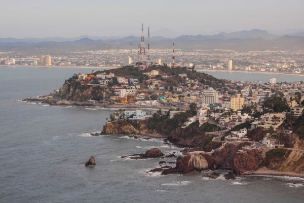 The seaside route into Old Mazatlan