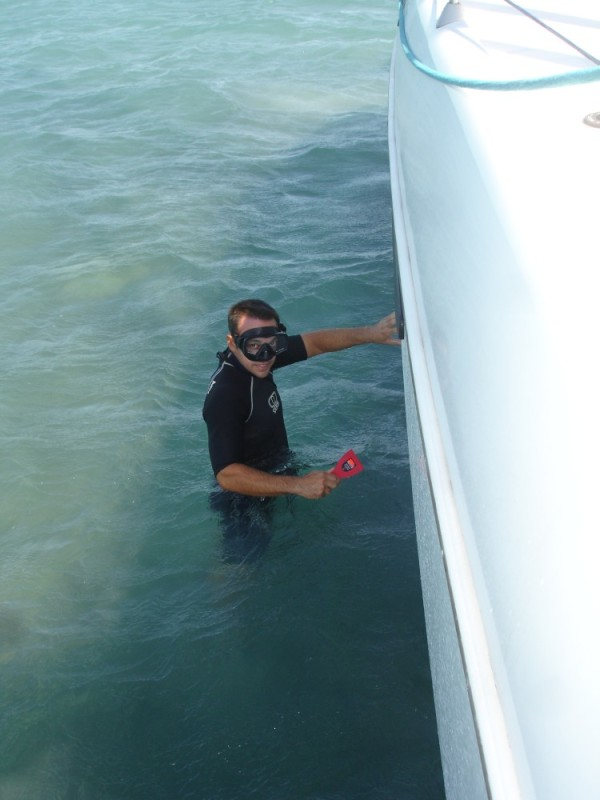 D cleaning the hull