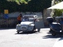 Ile de Moines....2CV...repairs on the run