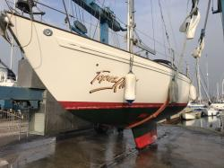 Survey lift shows keel shape: Topaz is the scheel keel version 1.5m draft