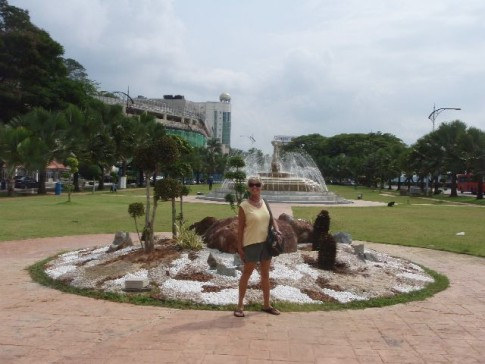Johor Bahru also had many statues and fountains.