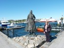 The fishwife in Kristiansund...... and a statue