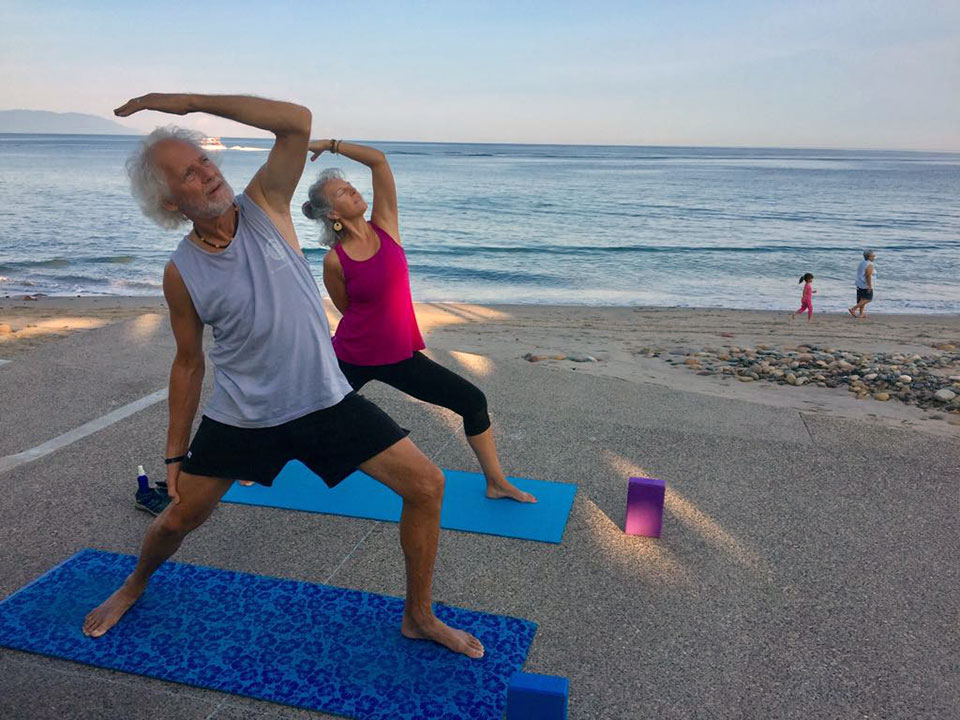 "Beach yoginis at <a href=""https://www.facebook.com/angelyogapv/"" target=""_blank"">Angél Yoga PV</a>."