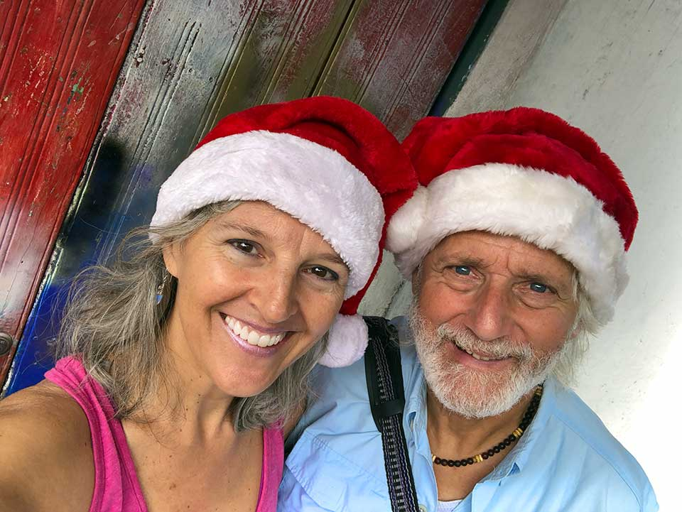 Feliz Navidad, Christmas Cheer, Love and Hugs from both of us to all of you. xoxo Paz Paz Paz