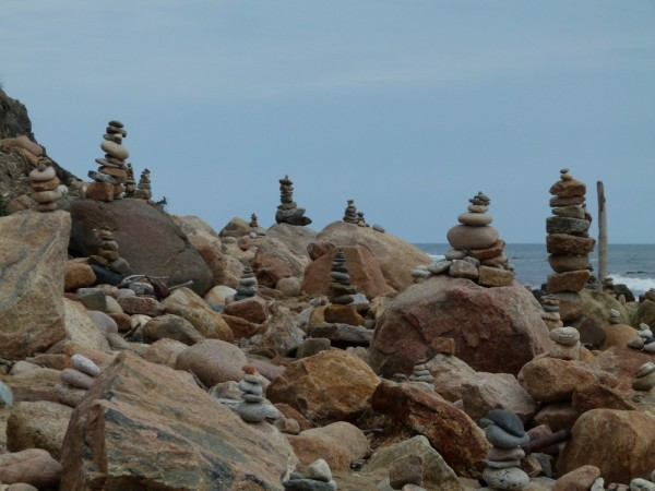 People made these stone pile sculptures everywhere on the beach.