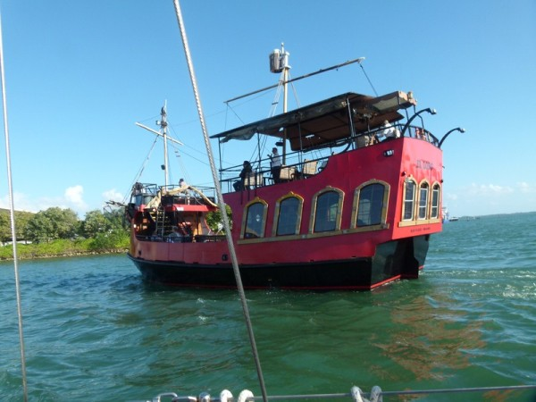 Also a number of sightseeing boats, here is an unusual one.