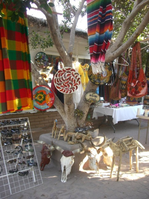 Some tourista shops in Loreto.